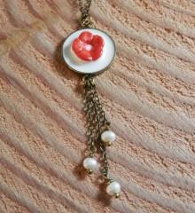 Collier perles_fleurs cerisier_rouge_Bijoux La Pointe du Vent X Moineaux and Co (1)