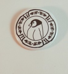 badge pingouin - cool-fmppstudio -moineauxandco -assiette faience bretonne - motifs traditionnels (4)