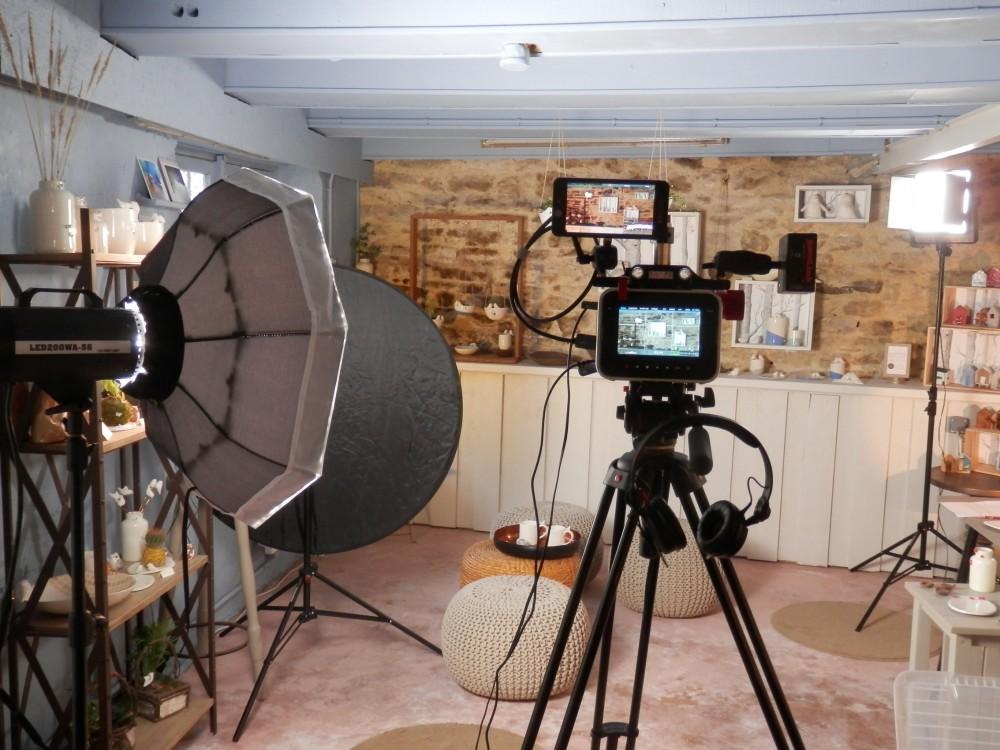 Tournage vidéo Moineaux and Co - Atelier Boutique Createur Quimper - Faïence - Ceramique (3)