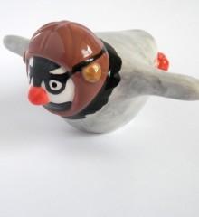 figurine pingouin casque aviateur