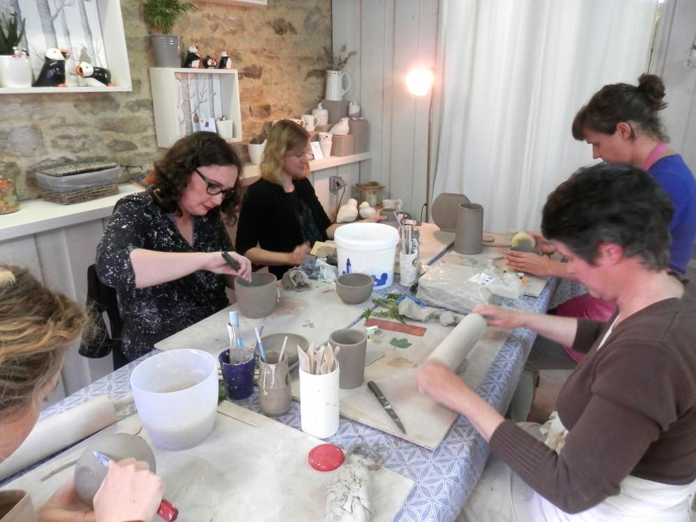 cours stage workshop atelier modelage sculpture poterie céramique argile terre faïence adulte quimper céramiste d'art finistère bretagne