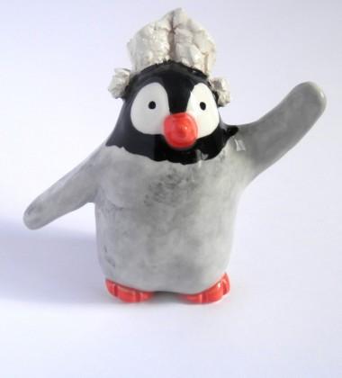 Figurine faïence pingouin coiffe dentelle fouesnantaise bretonne atelier moineaux & co made in quimper france